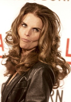 Maria Shriver: after plastic surgery? (image hosted by http://ayyyy.com)