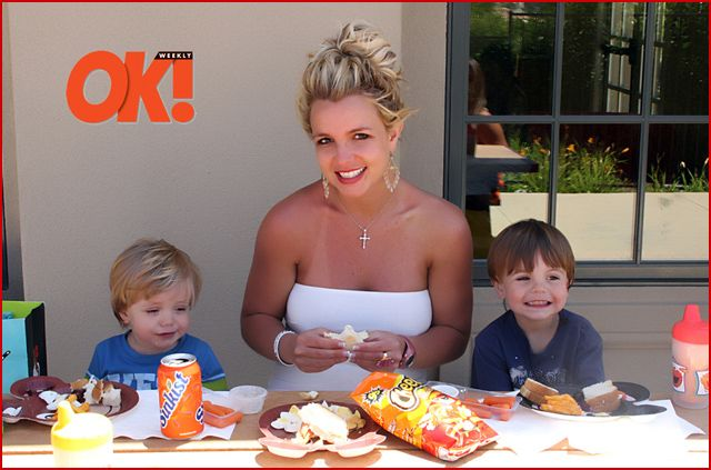britney-is-ok-with-cheetos.jpg
