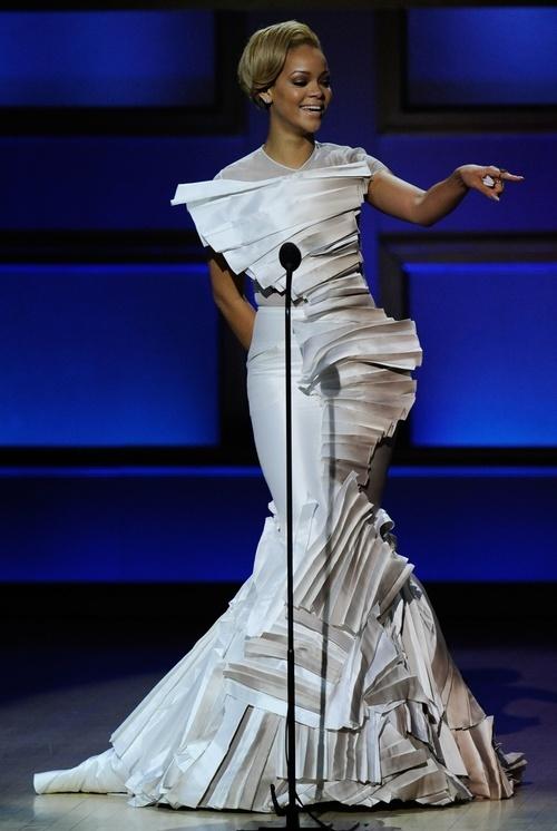 Rihanna folds