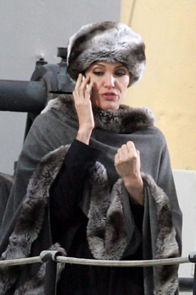 Hokey Smoke, Angelina!