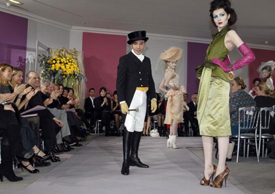 The leetle fashion troll at Dior