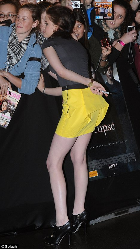 Kristen Stewart yellow mini