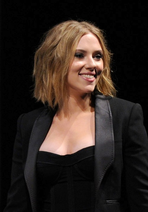 Scarlett Johannsson has two things going for her after that haircut