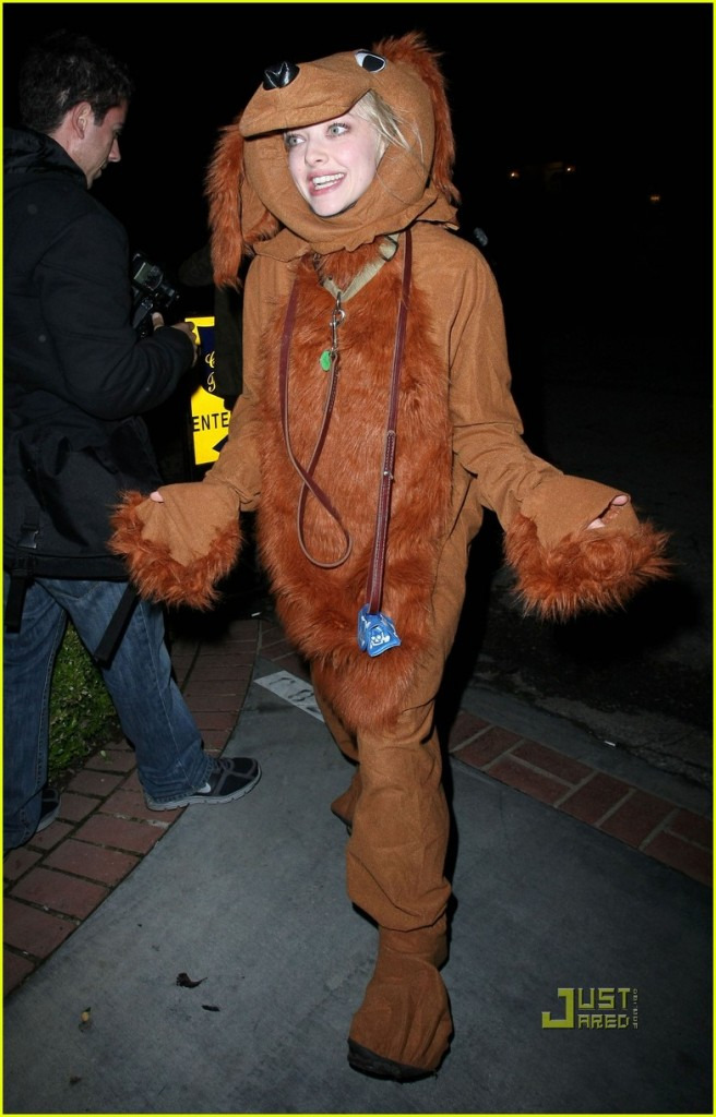 Amanda Seyfried is no dog, but apparently Ryan Philippe is a furry?