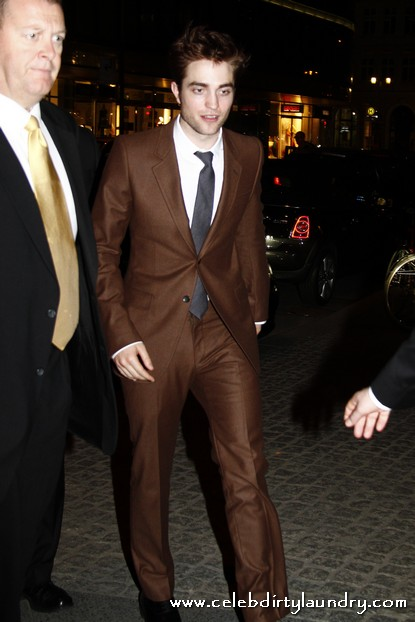 Robert Pattinson attempts to bring back the Reagan Brown Suit
