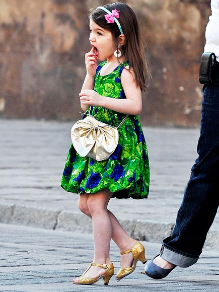 Suri Cruise should apologize for this outfit