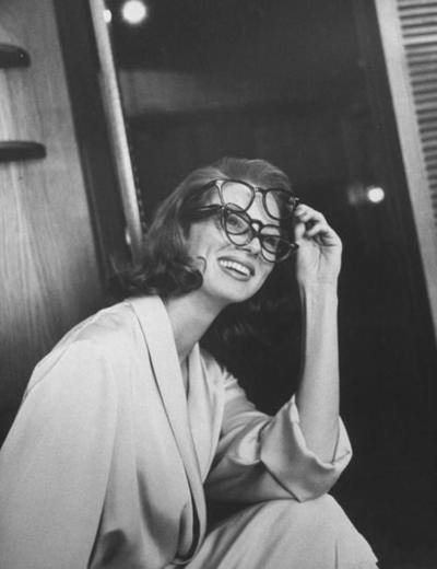 Suzy Parker, Man Ray style
