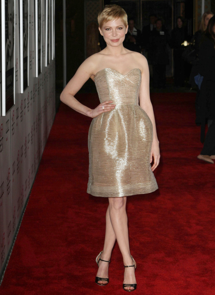 Michelle Williams lights up our lives in Oscar de la Renta