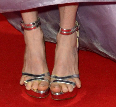 Julianne Moore Toes Noes