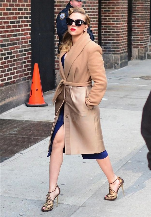 ScarJo shows her coat game