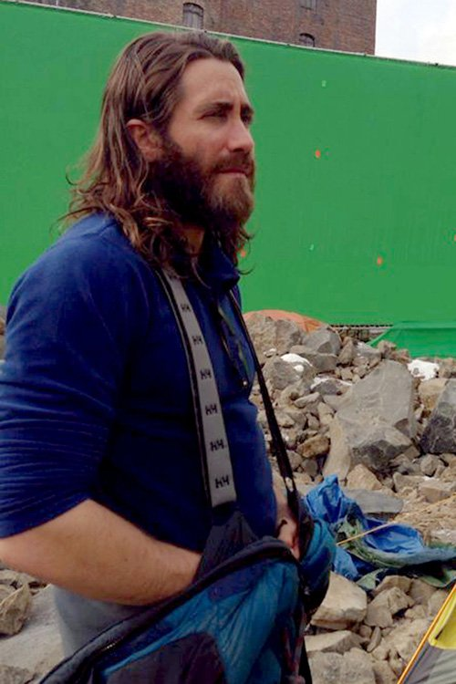 Jake Gyllenhaal in hippie hiker mode